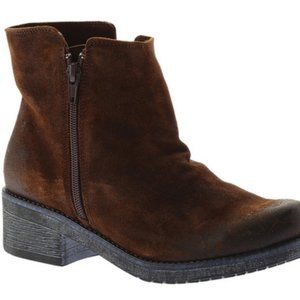 Naot Wander Ankle Boot in Seal Brown Suede 38